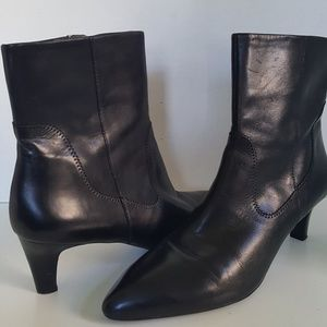 Franco Sarto Black Leather Ankle Boot 11M